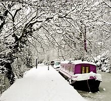 Snowy boat on frozen canal, Oxford by Zoe Power