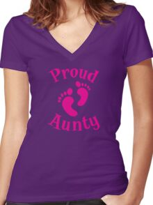 Proud Aunty with cute maternity baby feet Women's Fitted V-Neck T-Shirt