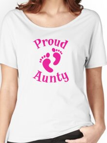 Proud Aunty with cute maternity baby feet Women's Relaxed Fit T-Shirt