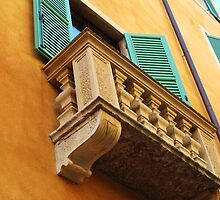 Verona's colourful house by dyanera