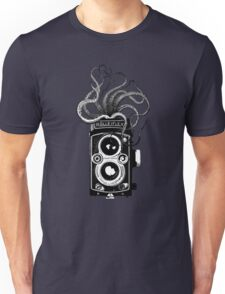 Rolleiflex Camera with octopus Unisex T-Shirt