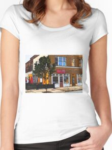 Lily's Women's Fitted Scoop T-Shirt