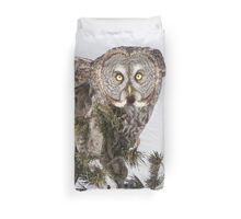 The perching prince Duvet Cover