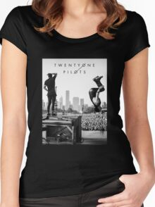 TOP Women's Fitted Scoop T-Shirt