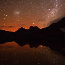 Aurora over Cradle Mountain by tinnieopener