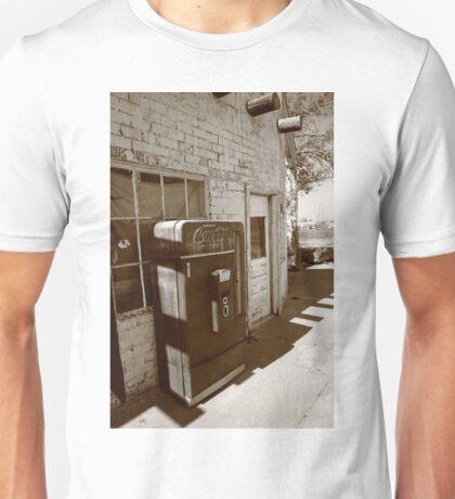 Route 66 - Rusty Coke Machine Unisex T-Shirt
