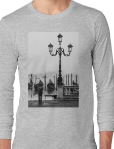Young photographer Long Sleeve T-Shirt