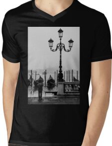 Young photographer Mens V-Neck T-Shirt