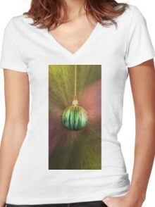 Hanging Around For Christmas Women's Fitted V-Neck T-Shirt