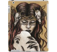 Akka Kuolo - Finnish Goddess of Nature and Death iPad Case/Skin