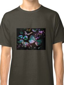 LILAC FLUTTER NIGHT BUTTERFLY Classic T-Shirt