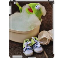 Kermit having a bath iPad Case/Skin