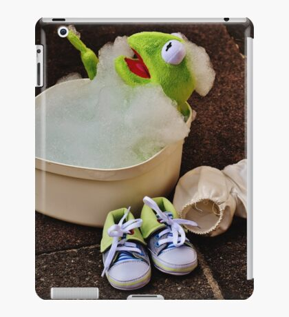 Kermit having a bath iPad Case/Skin