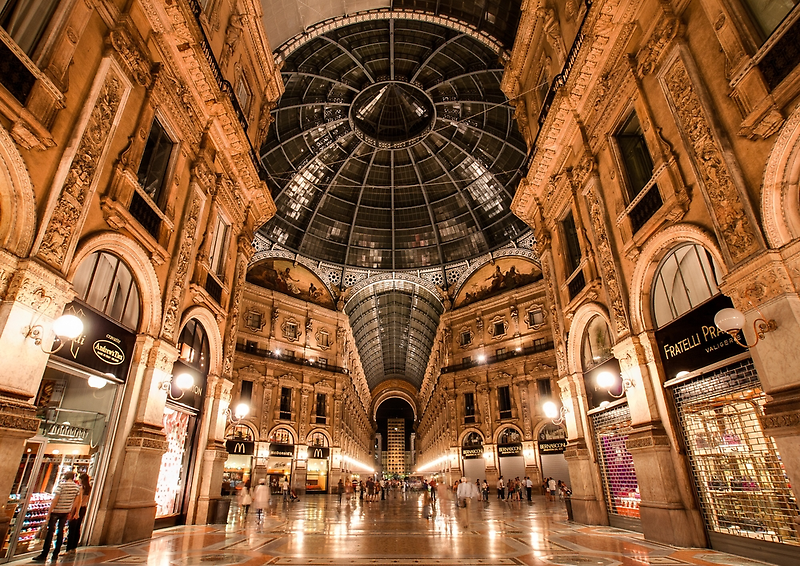 Milan Galleria by Robert Dettman