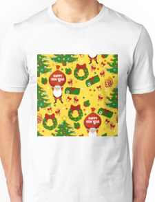 Happy new year pattern with Santa Claus, christmas tree, gifts, bell, stars, wreath. Funny pattern on a yellow background. Unisex T-Shirt