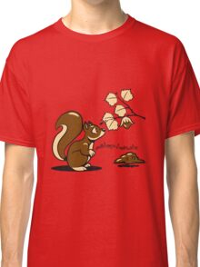 Eichhörmchen witzig nuss ast warten  Classic T-Shirt