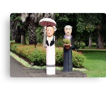 Old married couple sculptures Canvas Print