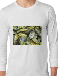 Green leaves with yellow spots texture Long Sleeve T-Shirt