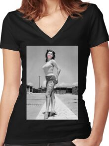 Sophia Fun Women's Fitted V-Neck T-Shirt
