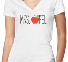 Apfel Women's Fitted V-Neck T-Shirt