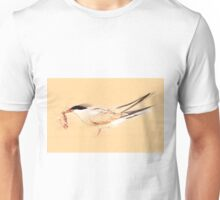 Common tern (Sterna hirundo) adult on the beach with a fish in its bill. Unisex T-Shirt