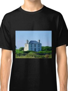 *All alone on road to Port Fairy, Vic. Australia* Classic T-Shirt
