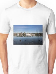 Confusing reflections Unisex T-Shirt