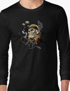 Airborne, Military Skull Smoking a fat Cigar while Bombs are Falling Long Sleeve T-Shirt