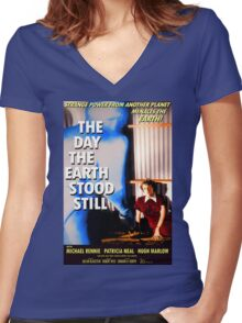 The Day The Earth Stood Still 1951 Poster Women's Fitted V-Neck T-Shirt