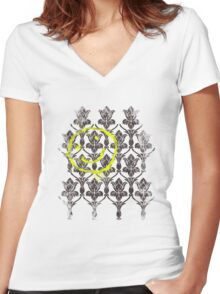 221B wallpaper Women's Fitted V-Neck T-Shirt