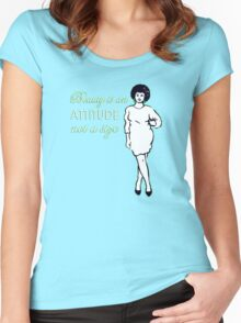 Curvy beauty: gorgeous green Women's Fitted Scoop T-Shirt