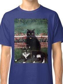 WINNIE & WINSTON Classic T-Shirt