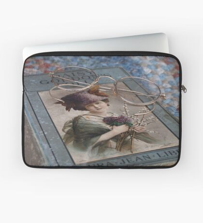 Book and Glasses Laptop Sleeve