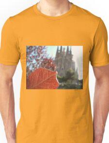 sagrada familia and red leaf Unisex T-Shirt