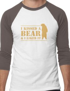 I Kissed A Bear And I Liked It Cool Hairy Grizzly Men's Baseball ¾ T-Shirt