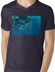 Wall Diving Mens V-Neck T-Shirt