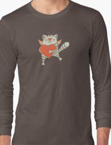a cat with a heart Long Sleeve T-Shirt