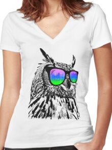 Cool Owl Women's Fitted V-Neck T-Shirt