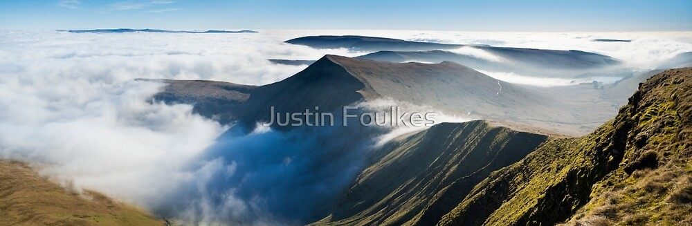 Cribyn, from Pen y Fan, Brecon Beacons National Park, Wales. by Justin Foulkes