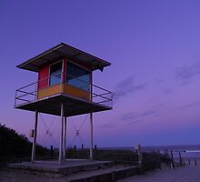 Lifeguard tower @ sunset by Tegan84