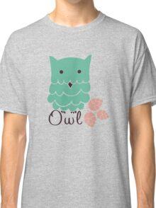 Cute cartoon owls Classic T-Shirt