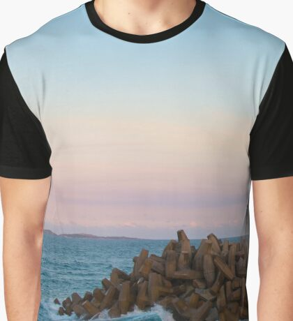 Rollin waves Graphic T-Shirt