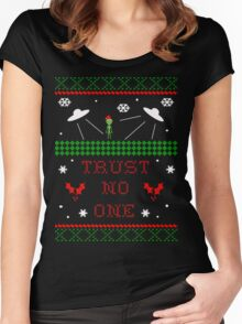 Trust No One Ugly Christmas Sweater Women's Fitted Scoop T-Shirt