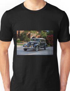 1939 Cadillac Fleetwood 7519 Sedan 'Godfather' Unisex T-Shirt