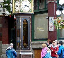 Gastown Steam Clock by phil decocco