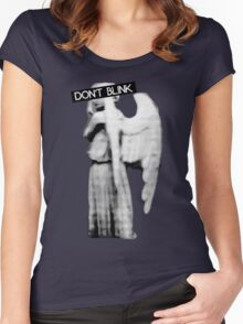 [Doctor Who] Don't Blink - Angel Women's Fitted Scoop T-Shirt