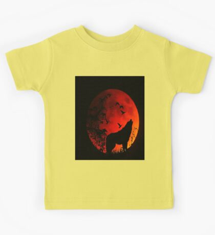 Wolf Howling in the dark for animal lovers Kids Tee