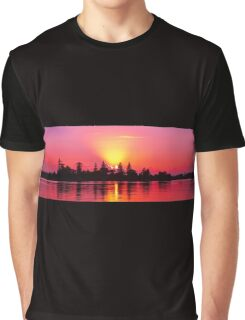 Magenta Sunrise over Water. Lake Macquarie, Australia. Graphic T-Shirt