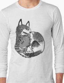 husky loves kitty Long Sleeve T-Shirt