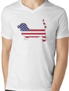 American Flag – Basset Hound Mens V-Neck T-Shirt